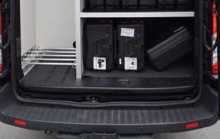 Store dører gjør det enklere å laste inn og ut av bilen.