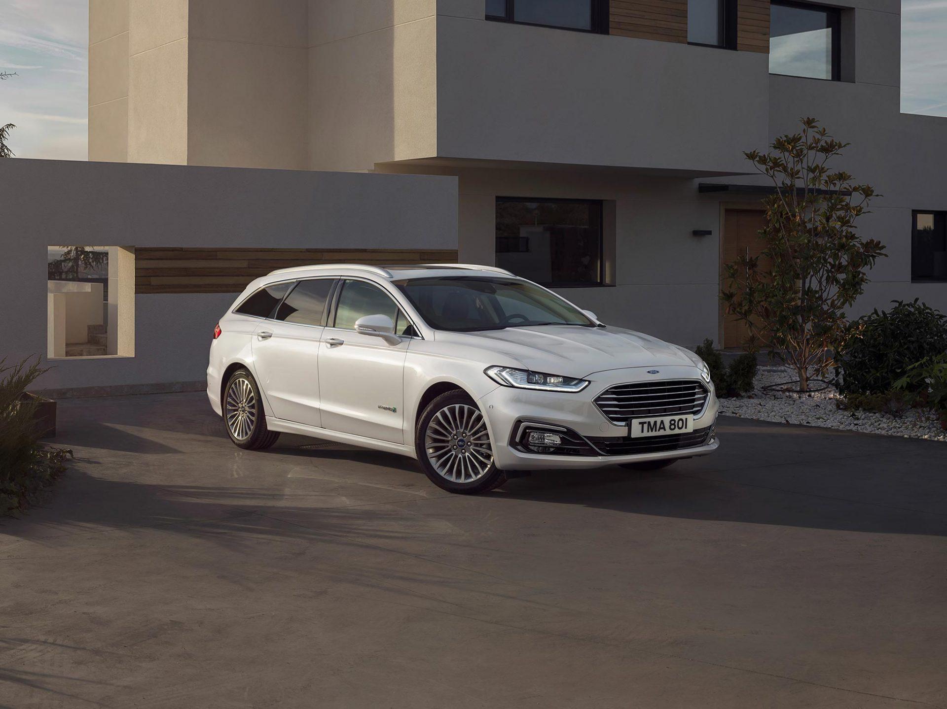 Ford Mondeo Hybrid er en sikker bil med gode tekniske løsninger