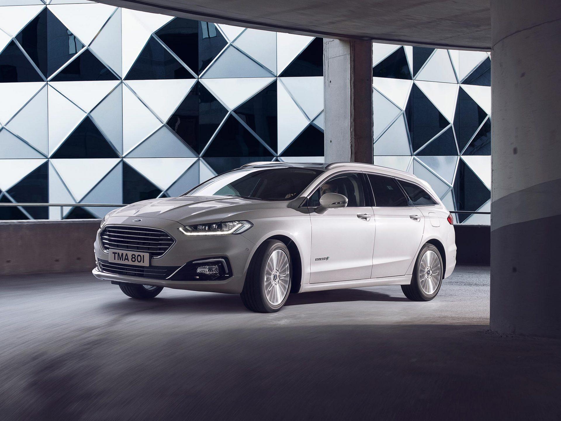 Ford Mondeo Hybrid leveres med en rekke motoralternativer