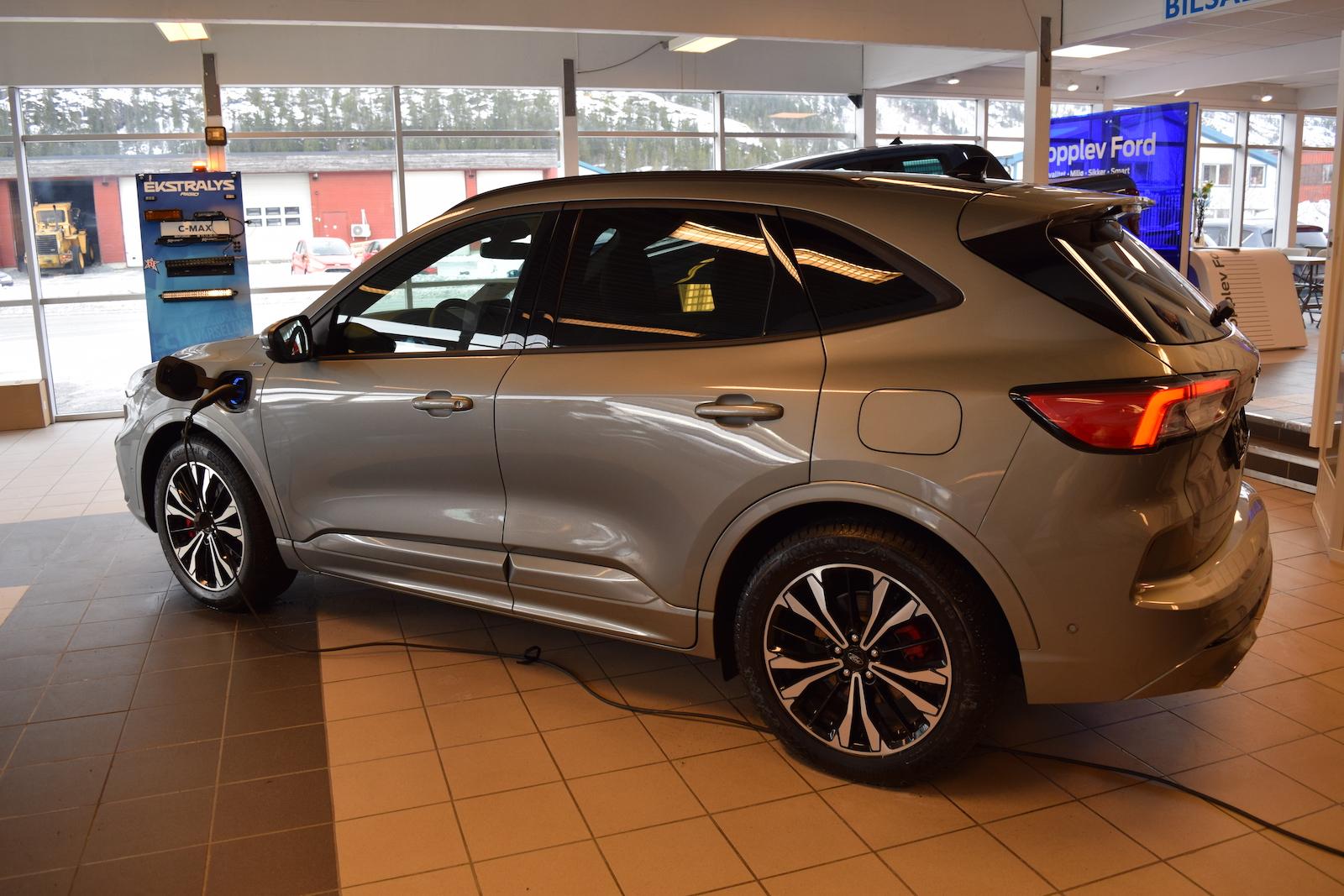 Ford Kuga PHV 2020 leveres i flere varianter