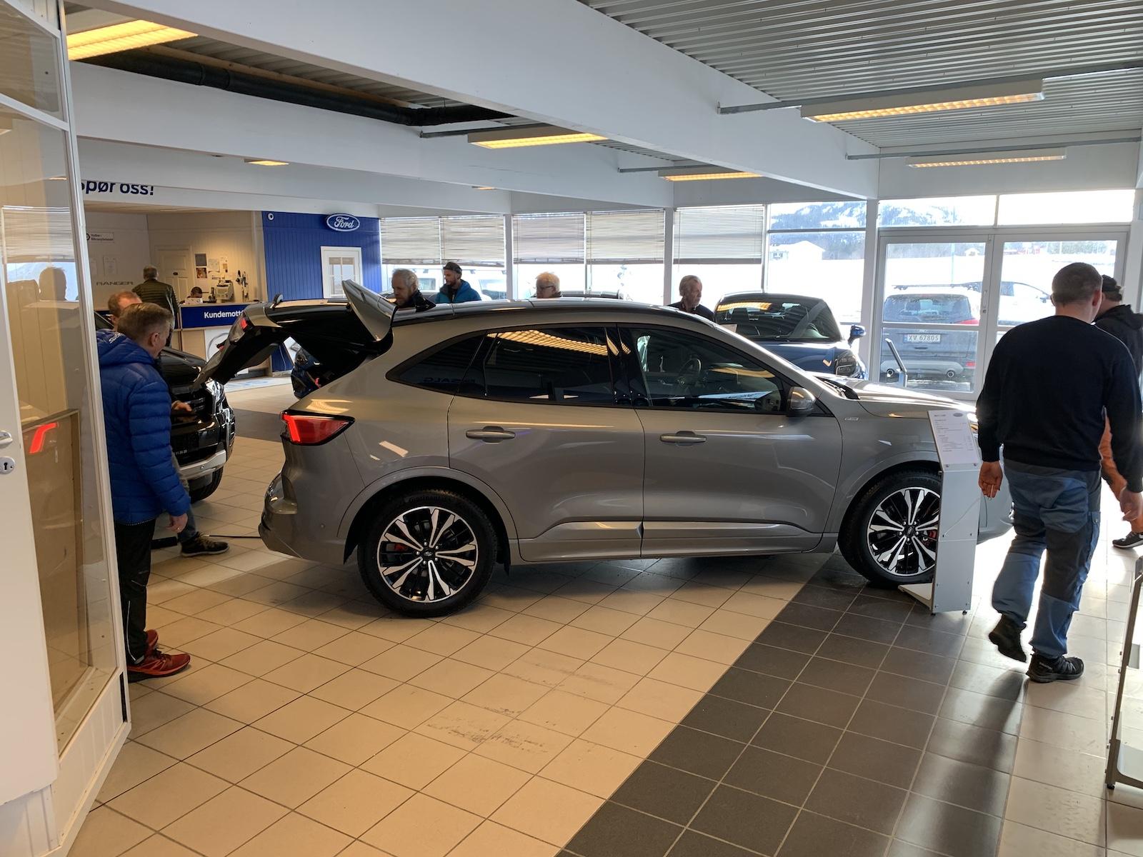 Ford Kuga PHV utstilt hos Bilfokus